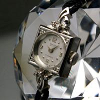 グリュエン レディースアンティークウオッチ ダイヤ装飾 ホワイトゴールドスクエアケース