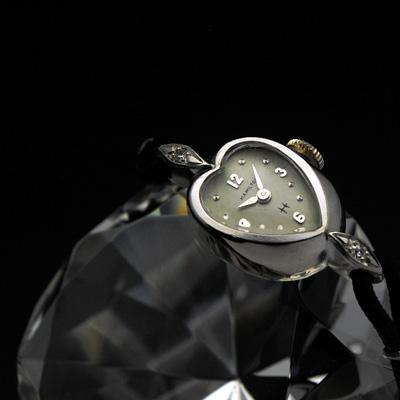 ハミルトン ハート型ケース レディースアンティークウオッチ 2ポイントダイヤ装飾 分解掃除済み 希少